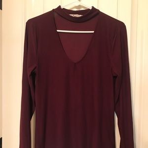 Burgundy v-neck top with collar